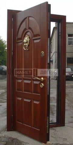 дверь массив купить на заказ в Москве