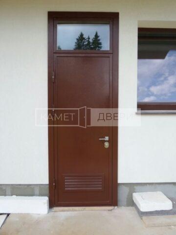 тех. дверь со вставкой и решеткой купить на заказ в Москве